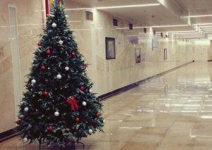 Bakı metrosunda Yeni il şənliyinə start verildi