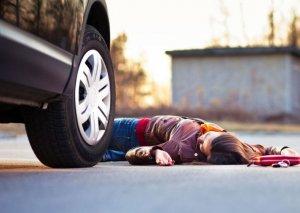 Şirvanda naməlum avtomobillə vurulan qadın ölüb