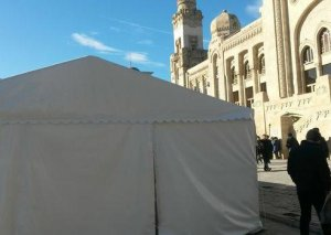 Bakıda quraşdırılan yarmarka çadırları sökülür