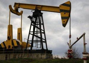 Ötən il dekabr ayında gündəlik neft hasilatı 810 min barrel olub