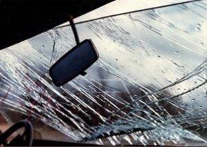 """Paytaxtda """"VAZ"""" yol kənarına aşıb, yaralanan var"""