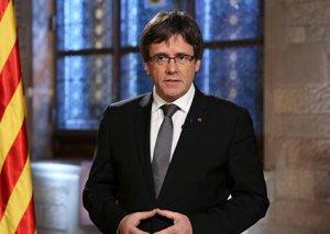 Puçdemon Kataloniya parlamentinin hökuməti bərpa etməyə dair qərarına hörmətlə yanaşmağa çağırıb