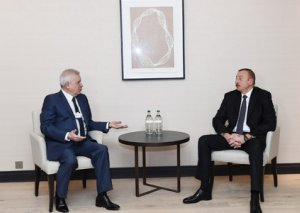 """Prezident İlham Əliyev Davosda """"LUKOİL"""" şirkətinin prezidenti ilə görüşüb"""