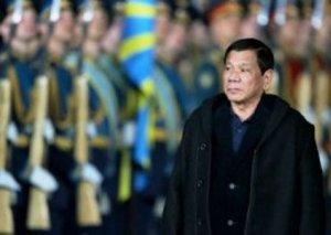 """Filippin prezidenti hərbçilərə əmr verdi: """"Konstitusiyanı pozsam, məni güllələyin"""""""