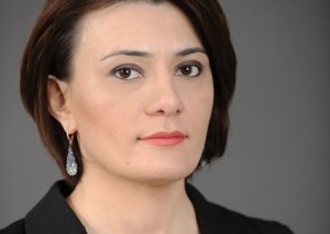 Deputat Sona Əliyevanın ətrafında nə baş verir...