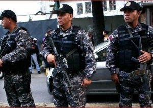Venesuelada karnaval iştirakçılarına atəş açılıb, ölənlər və yaralananlar var