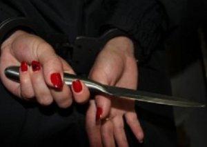 Ağdamda 44 yaşlı qadın qudasının qonağını bıçaqlayıb