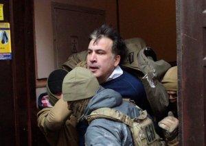 Saakaşviliyə qəfil hücum: xüsusi təyinatlılar onu saçından yapışıb aparıblar
