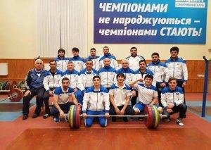 Ağır atletlərimiz Ukraynada təlim-məşq toplanışlarına davam edir
