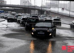 Ölkə ərazisində yağış, sulu qar, qar yağıb