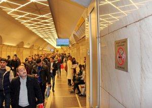 Bakı metrosunda siqaret çəkmək tam qadağan edildi