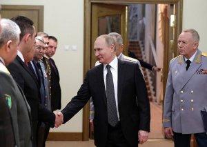 Azərbaycan müdafiə nazirinin müavini Vladimir Putinlə görüşüb