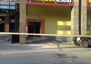 Tbilisidə fasad şüşəsinin düşməsi nəticəsində xəsarət alan uşaqlardan 3-ü azərbaycanlıdır