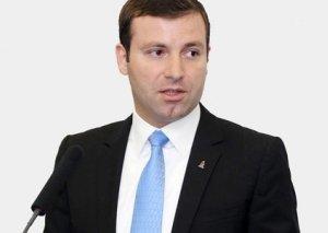 """""""Qurban Qurbanovdan indidən nəsə tələb etmək düzgün deyil"""""""