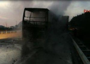 Türkiyədə sərnişin avtobusu yük maşını ilə toqquşaraq yanıb, 9 nəfər ölüb, 16 yaralı var