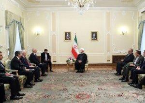 Həsən Ruhani: Azərbaycan və İran Asiya və Afrika ilə Avropanı birləşdirən əsas marşrut ola bilər