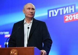 Bülletenlərin 90 faizinin sayılmasından sonra Putin 76,41 faiz səs toplayıb