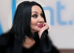 Aktrisanın əri ilə bağlı şok yazışmaları üzə çıxdı: