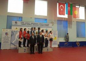 Stolüstü tennis üzrə Azərbaycan komandası Türk Şurası İdman Oyunlarının qalibi olub