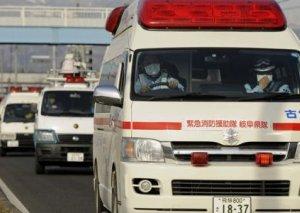 Yaponiyada avtomobil şagirdlərlə toqquşub: