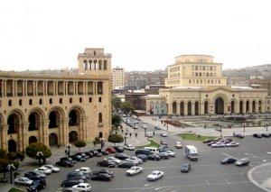 Serj Sarkisyan əleyhdarları Yerevanın mərkəzi küçələrini bağlayıblar