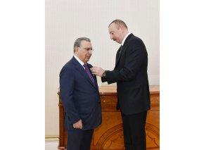 """Prezident İlham Əliyev Ramiz Mehdiyevi """"Şöhrət"""" ordeni ilə təltif edib"""