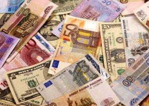 Palata: Banklarda valyuta çatışmazlığı yoxdur