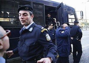 Yunanıstanda mafiyaya qarşı əməliyyat - 14 nəfər saxlanıldı