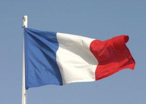 Fransanın Yunanıstandakı səfirliyinə hücum olub