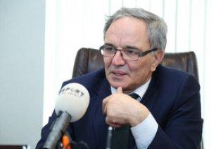 Əflatun Amaşov Ombudsmanın fəaliyyətini tənqid edib
