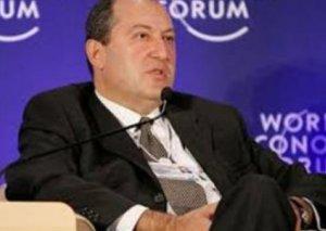 Armen Sarkisyan ölkədə baş verən etirazların səbəbini açıqladı