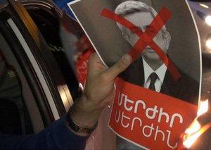 Yerevanda kütləvi etiraz aksiyası yenidən başladı