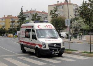 Türkiyədə qatar minik avtomobilinə çırpılıb