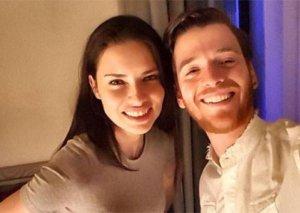 Adriana Lima sevgilisi ilə yataqda