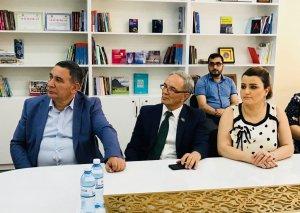 BDU-nun jurnalistika fakültəsində yeni saytın təqdimatı keçirilib