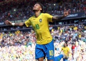 Neymar qolla qayıtdı