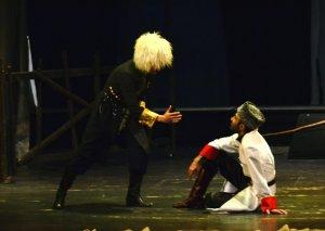 """Hüseyn Cavidin """"Ana"""" pyesi Gənc Tamaşaçılar Teatrının səhnəsində"""