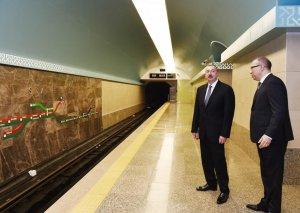 """Prezident İlham Əliyev metronun """"Sahil"""" stansiyasında görülən işlərlə tanış olub-"""