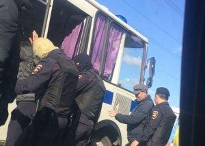 Azərbaycanlıları Rusiya bazarlarından çıxarırlar - bir topla iki hədəf