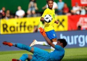 Neymar Romarioya çatdı