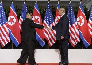 ABŞ və Şimali Koreya liderləri yekun sənəd imzalayıblar