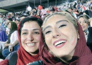 İranda qadınlar ilk dəfə stadiona giriş hüququ əldə etdi