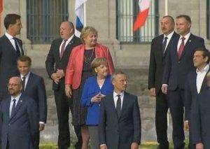 Brüsseldə İlham Əliyevin Trampla səmimi görüşü