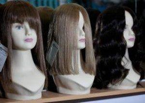 Hindistanda parik emalatxanasından 200 kiloqram saç oğurlandı