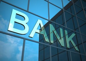 6 bağlanmış bankın əmlakı satışa çıxarılır