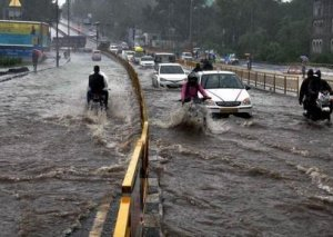 Hindistanda musson yağışlar 774 nəfəri öldürüb