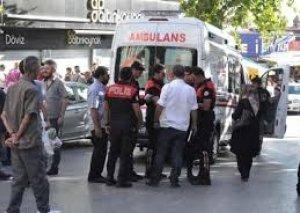 Ankarada bir nəfərin ətrafa silahla atəş açması nəticəsində 17 nəfər yaralanıb