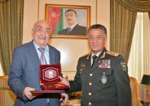 """Xoşbəxt Yusifzadə """"Azərbaycan polisinin 100 illiyi"""" yubiley medalı ilə təltif edilib"""