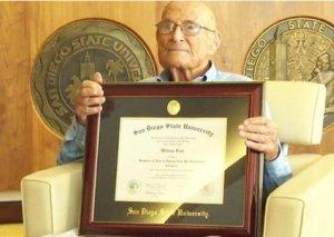 105 yaşlı amerikalı hərbçi diplomunu 83 ildən sonra alıb