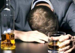 Spirtli içkidən ölüm hallarının ən çox olduğu ölkə açıqlanıb